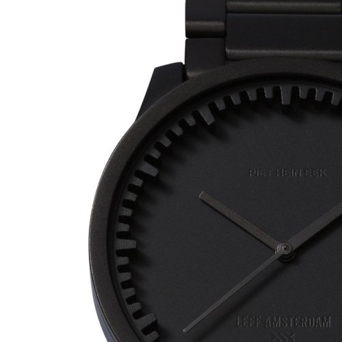 S42 black tube watch leff amsterdam design by piet hein eek detail